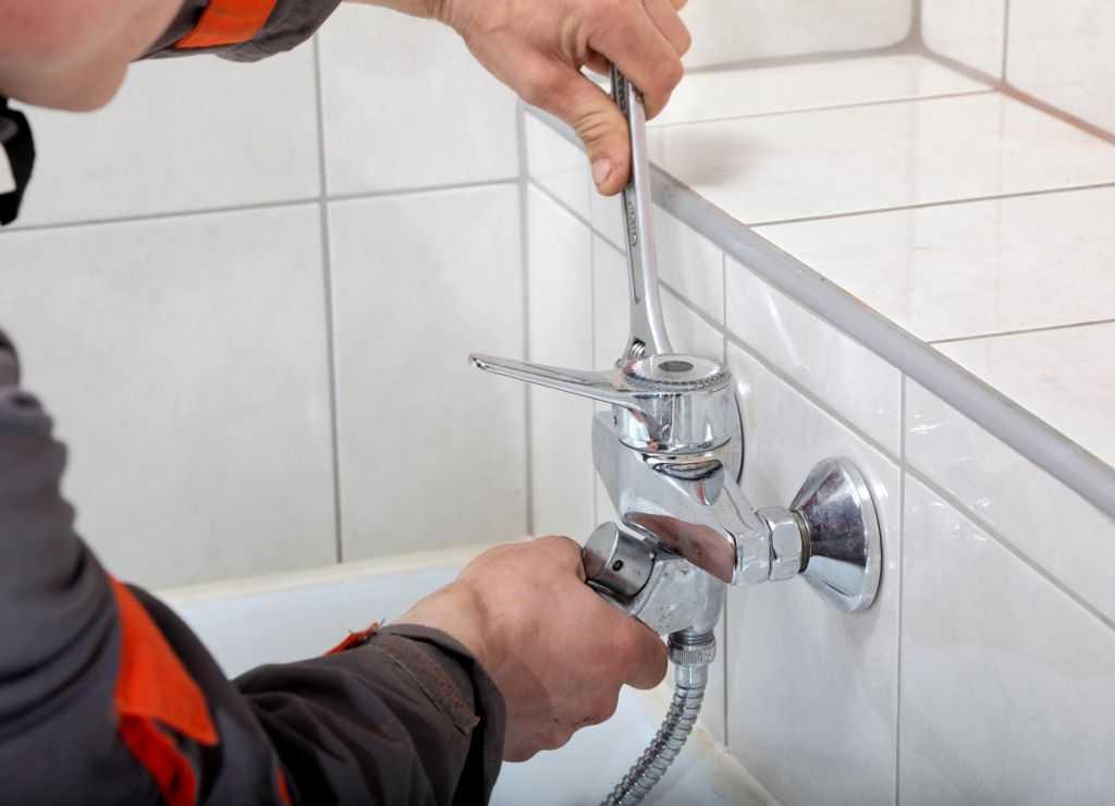 Ремонт смесителя в ванной своими руками: пошаговая инструкция