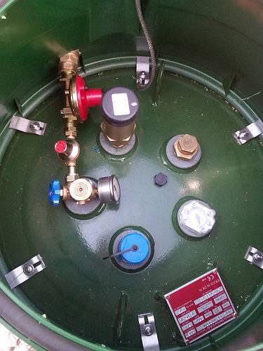 Вертикальный газгольдер — обзор моделей и особенности монтажа под ключ