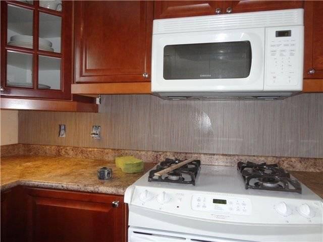 Микроволновка на кухне – куда можно, а куда не стоит устанавливать
