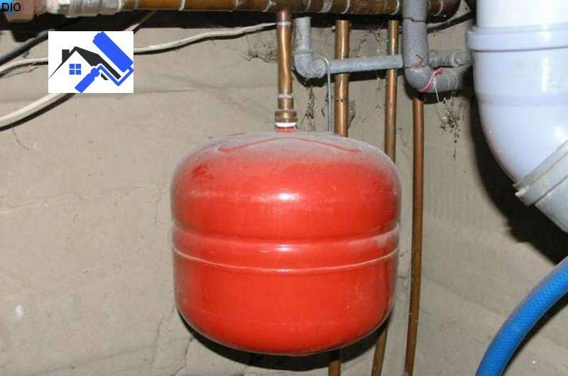 Расширительный бак для отопления закрытого и открытого типа: установка, давление