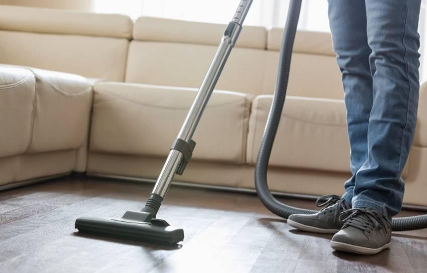 Как часто нужно пылесосить и мыть полы в квартире