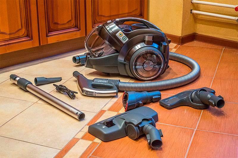 Рейтинг вертикальных моющих пылесосов