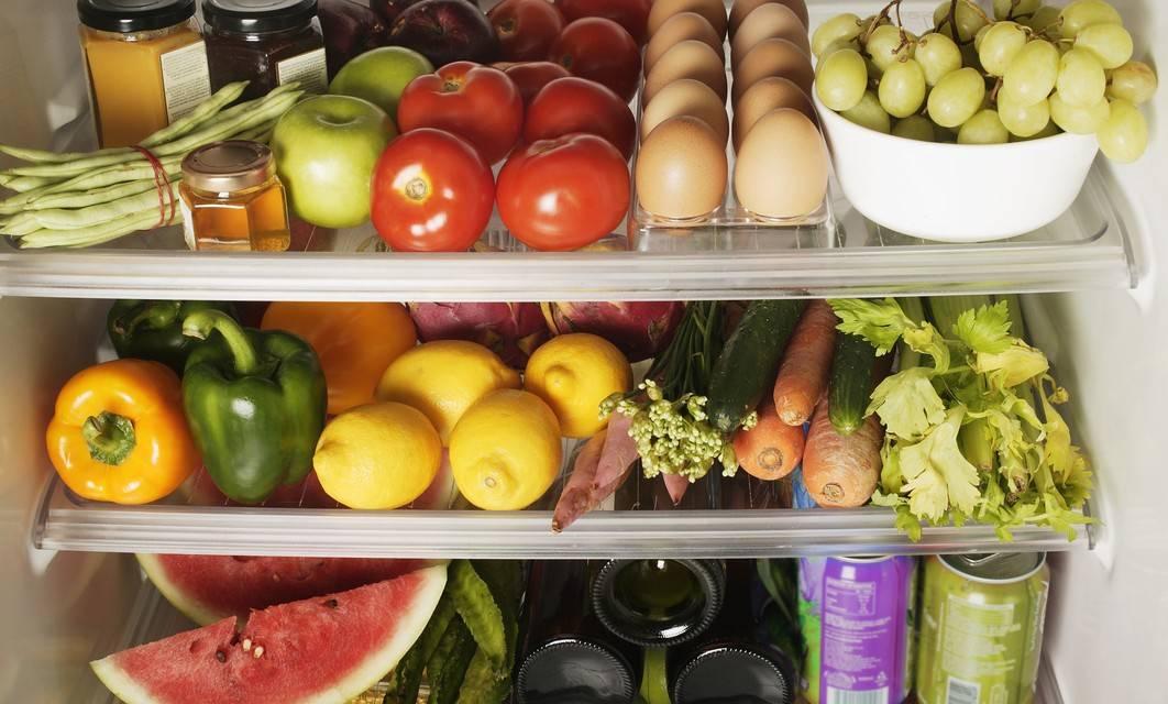 Эту ошибку совершают все хозяйки: 7 продуктов, которые нельзя хранить в холодильнике