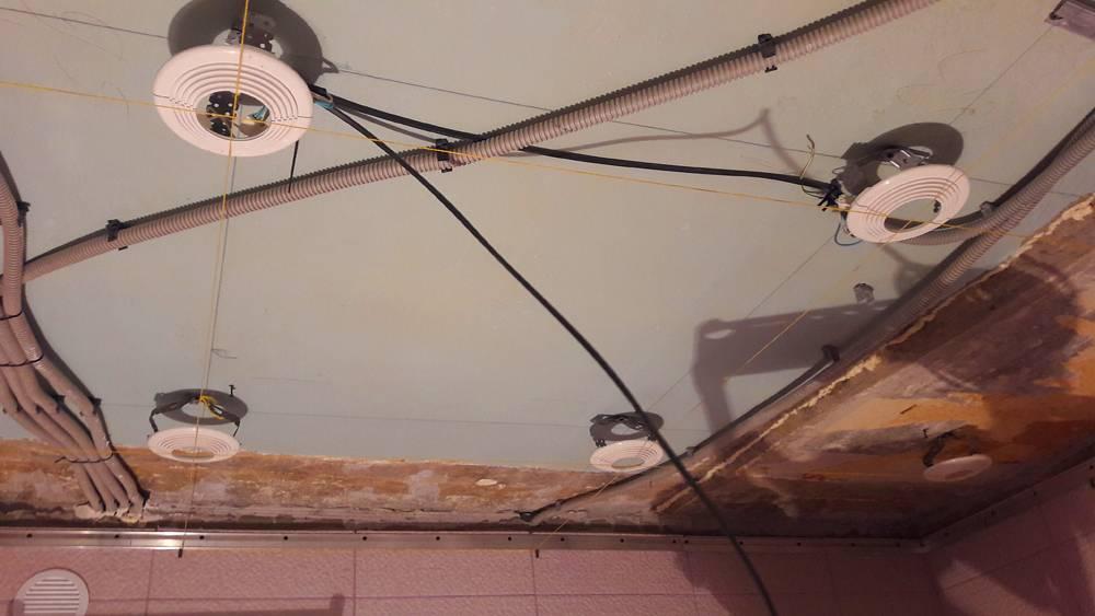 Избегаем ошибок: как повесить люстру на натяжной потолок