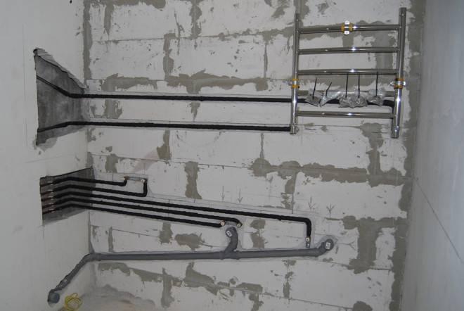 Перенос полотенцесушителя на другую стену - как перенести полотенцесушитель - vannayasvoimirukami.ru