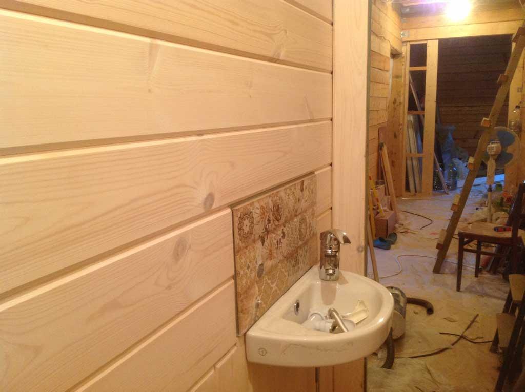 Отделка туалета пластиковыми панелями своими руками: пошаговая инструкция