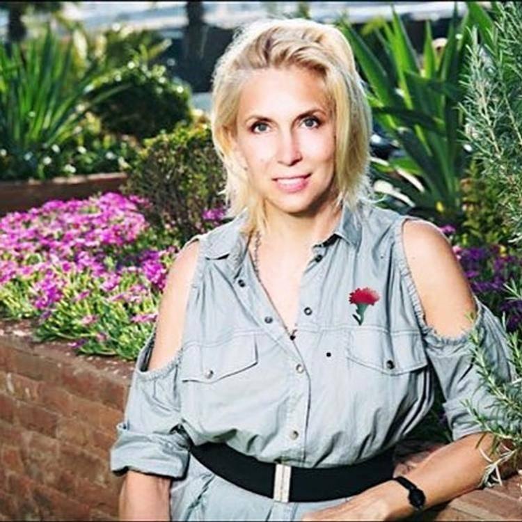 Алёна свиридова — биография, личная жизнь, фото, новости, певица, хиты, «инстаграм», возраст, сын 2021