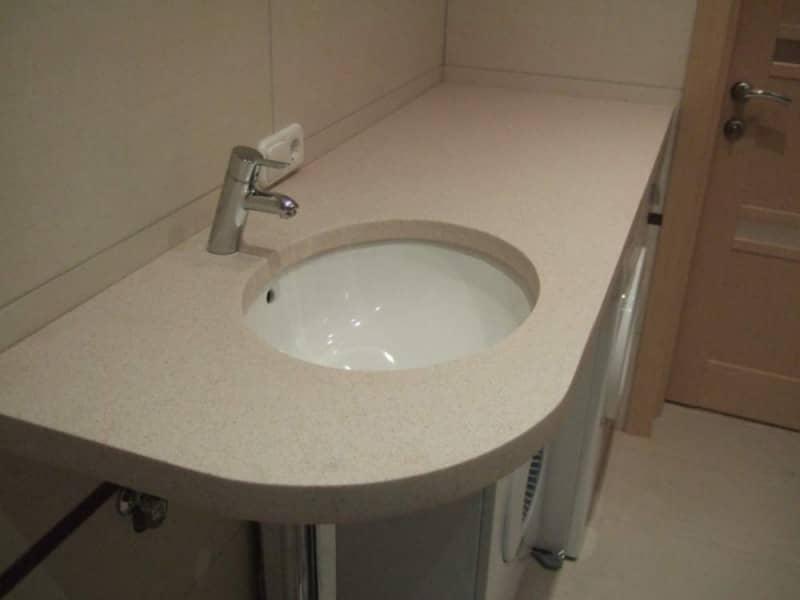 Накладная раковина для ванной (103 фото): высота столешницы для чаши, выбор крана, узкие модели и со смещенным сливом