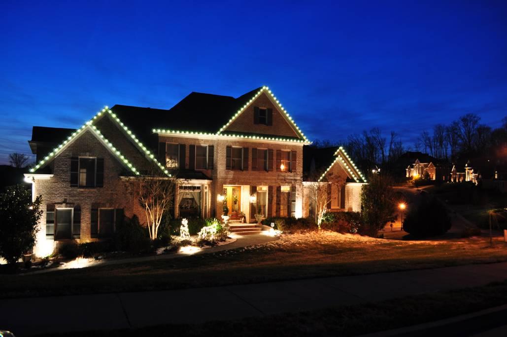 Подсветка фасадов — виды устройств с фото, какая бывает и как создается, тонкости светового дизайна, варианты освещения частного дома