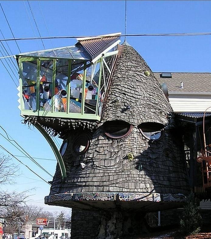 12 странных архитектурных решений в домах по всему миру, в которых скрыт неожиданный смысл