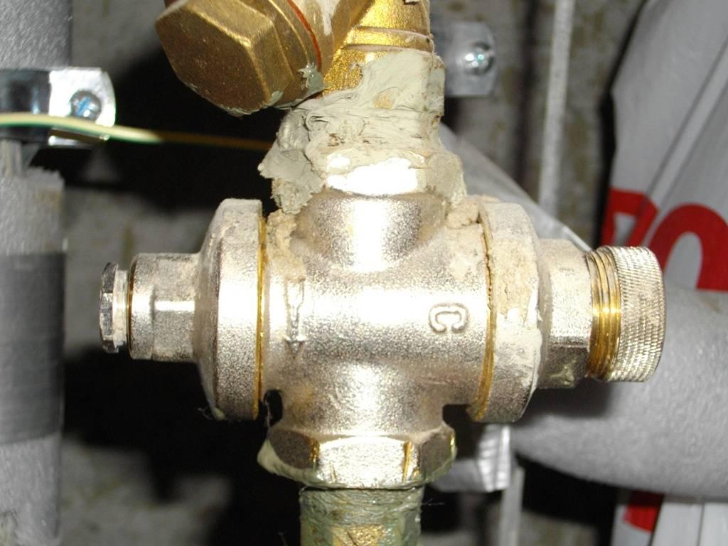 Редуктор давления воды в системе водоснабжения: регулировка, функции, установка