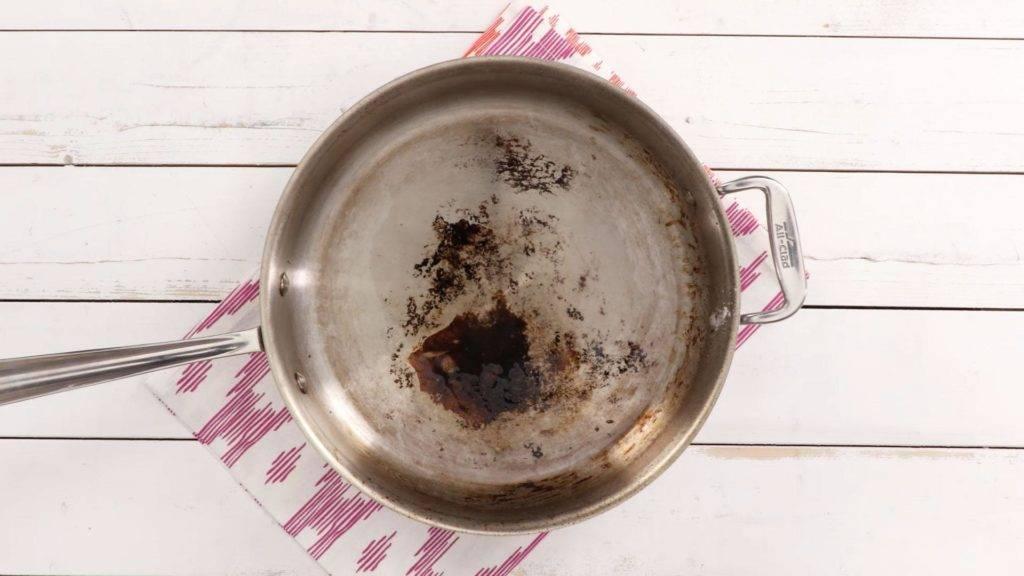 Как и чем отмыть кастрюлю от гари: эффективные средства и способы очищения посуды от пригоревшей пищи и нагара