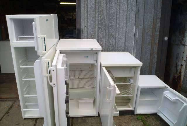 Куда деть старый холодильник: сдать или выбросить?