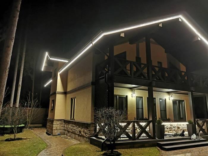 Освещение на даче, техническое и декоративное - фото примеров