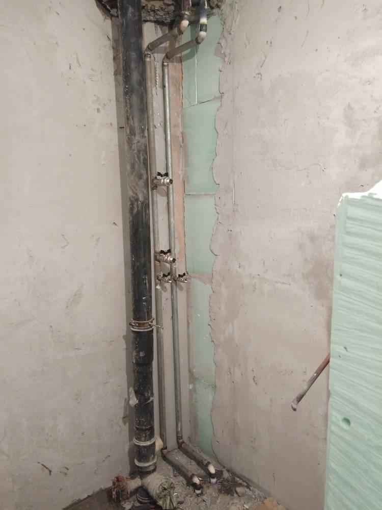 Перенос полотенцесушителя на другую стену: согласование, перепланировка, нюансы