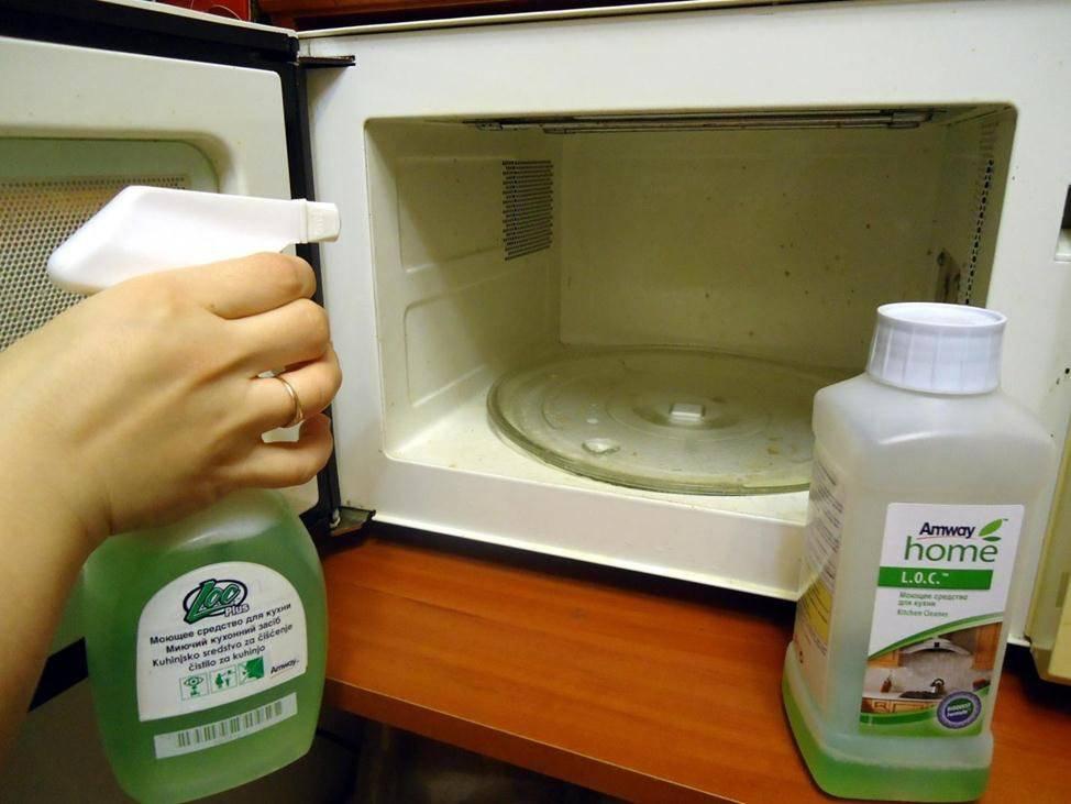 Как легко и быстро почистить микроволновку в домашних условиях