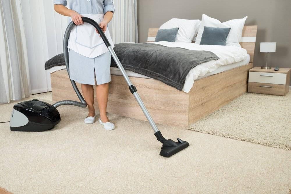 Рекомендации специалистов клининга, что делать сначала — пылесосить или мыть пол