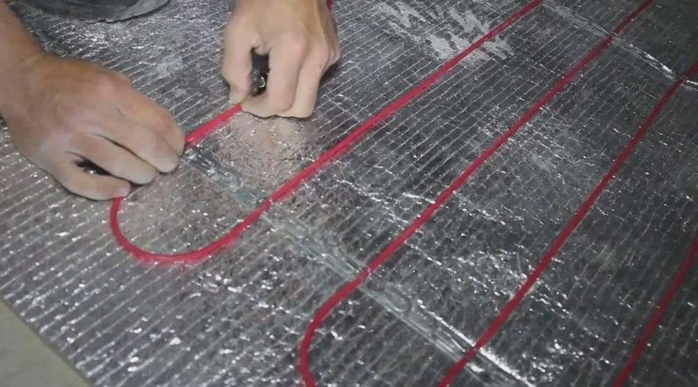 Электрический теплый пол на стену: какой вид выбрать, установка и плюсы обогрева