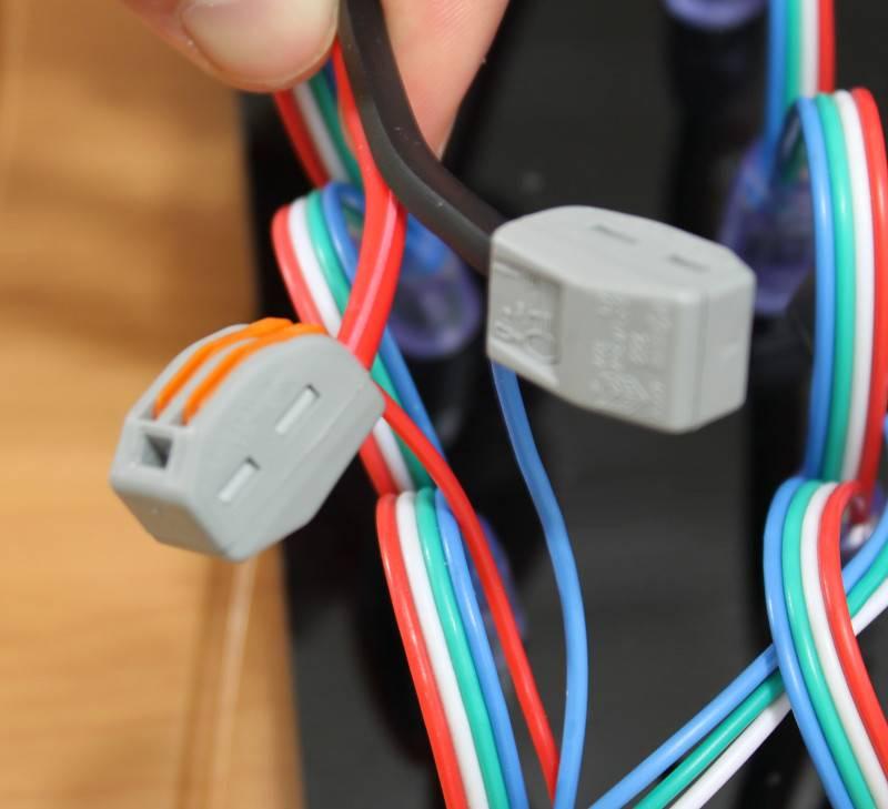 Клеммы для соединения проводов: разновидности и применение
