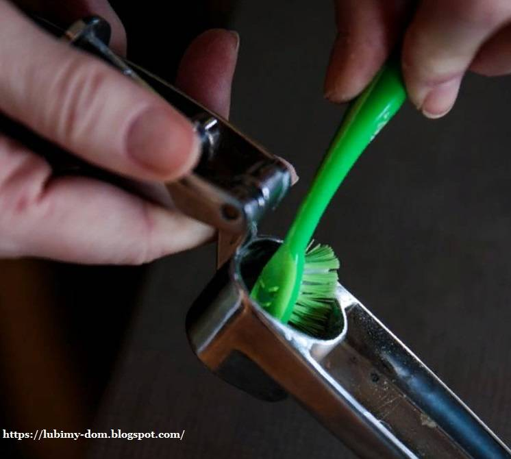 Как выбрать зубную щетку - рекомендации стоматолога нашего дантиста