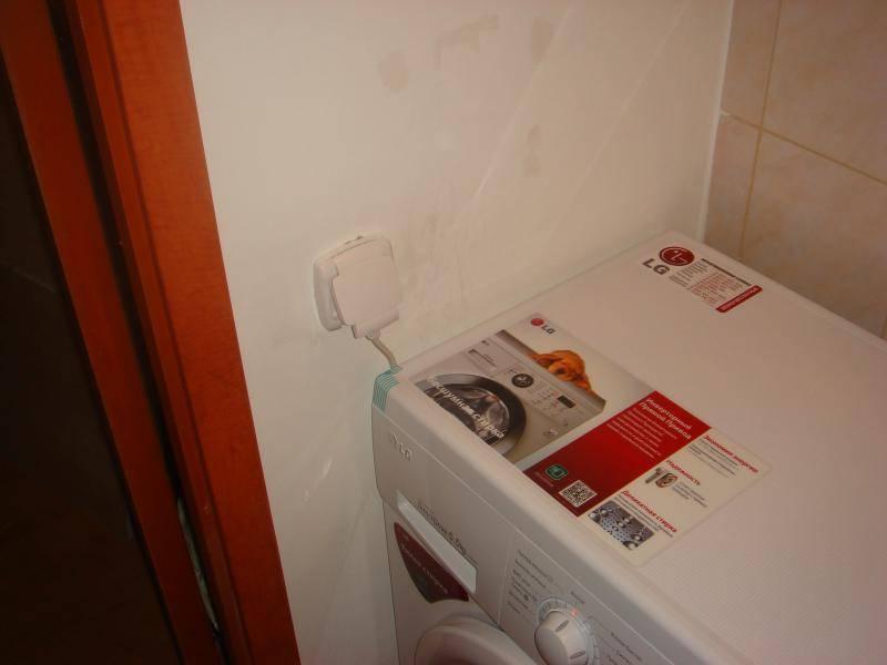 Розетка в ванной: правила установки и требования к влагозащите (советы по размещению, 90 фото)