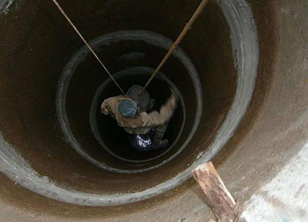 Как загерметизировать ввод трубы в колодец: инструкция | гидро гуру