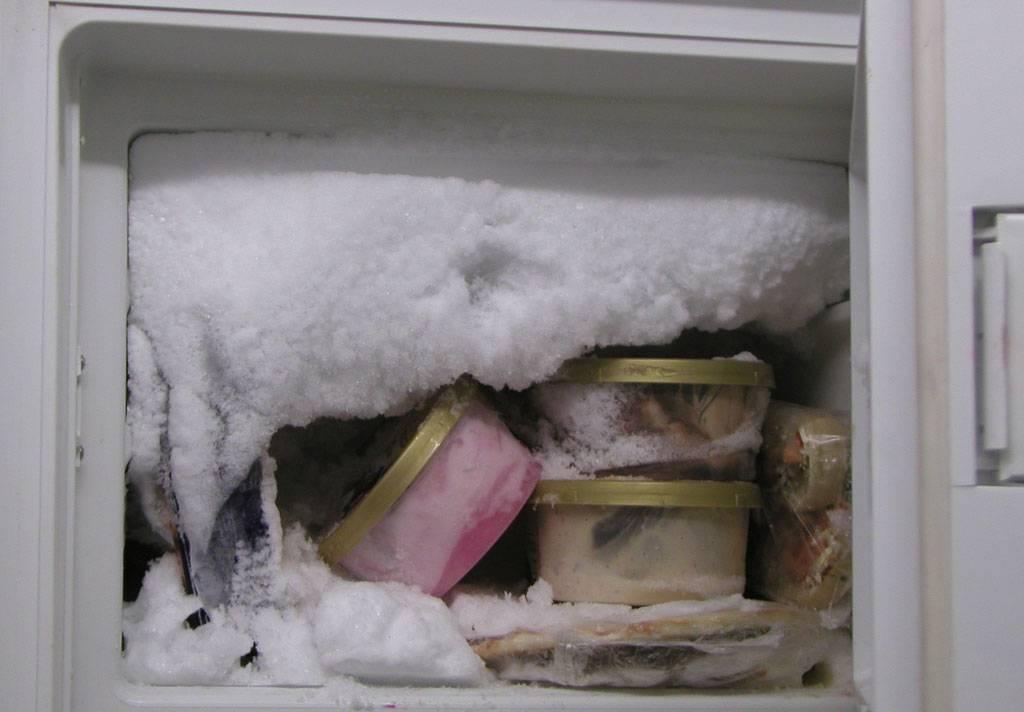 Как быстро и правильно разморозить морозильную камеру