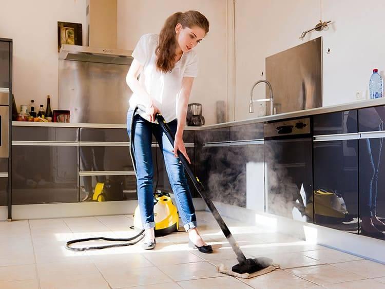 Как часто нужно пылесосить в квартире: от чего зависит частота уборки, надо ли относить ковры и паласы в химчистку, как уменьшить количество пыли?