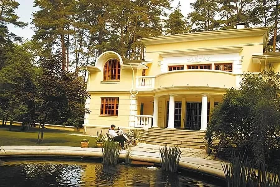 Дом никиты михалкова на николиной горе: фото