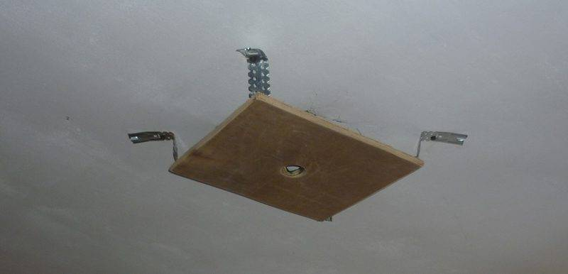 Закладные под натяжной потолок под светильники, люстру, карниз, как сделать и прикрепить