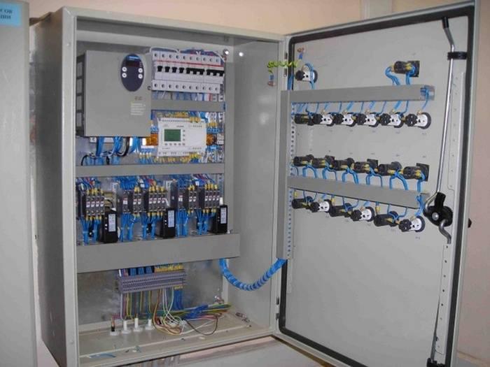 Шкаф управления насосами, принцип работы, характеристики.