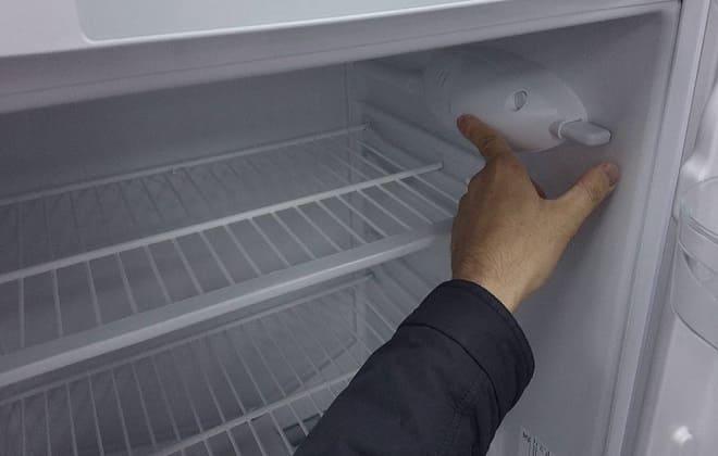 Почему перестал работать холодильник: причины и что делать