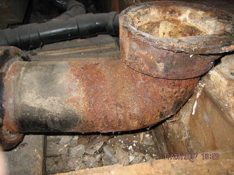 Почему пахнет канализацией в ванной | 5 причин неприятного запаха,воняет канализацией в квартире что делать,после ремонта запах канализации в ванной, какие причины.