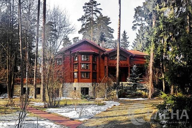 Где живёт никита михалков: столичная квартира и загородный дом (фото)