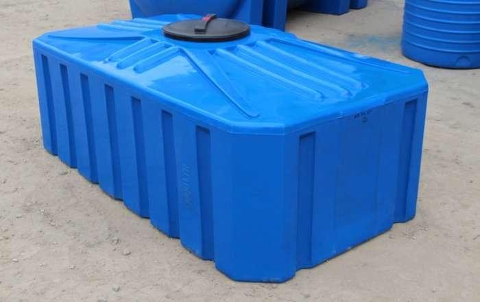 Емкости для воды из пластика: виды, особенности, критерии выбора