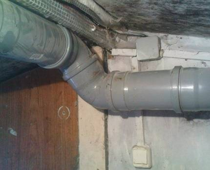 Вытяжка для частного дома из канализационной трубы