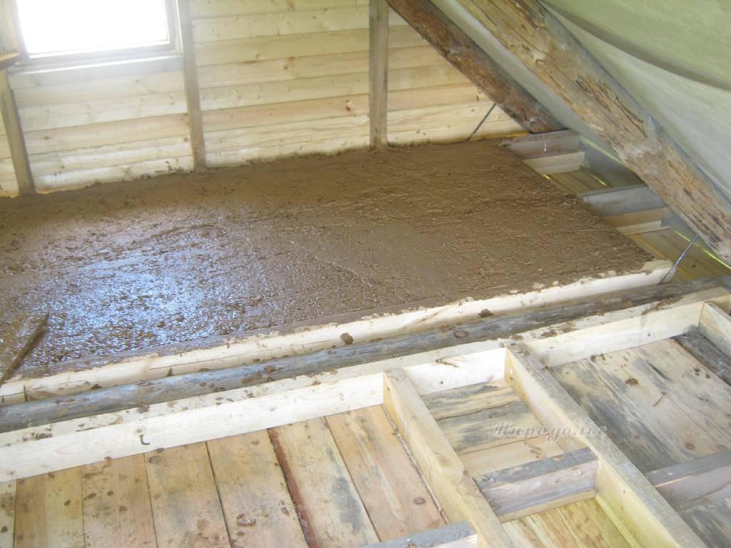 Утепление потолка в доме с холодной крышей: схемы и способы