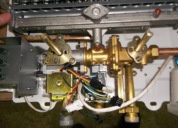 Почему тухнет газовая колонка: анализ причин и способы их устранения в домашних условиях