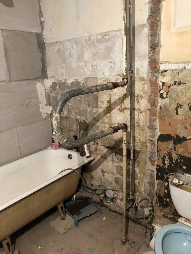 Как правильно перенести полотенцесушитель на другую стену в ванной: подробные инструкции