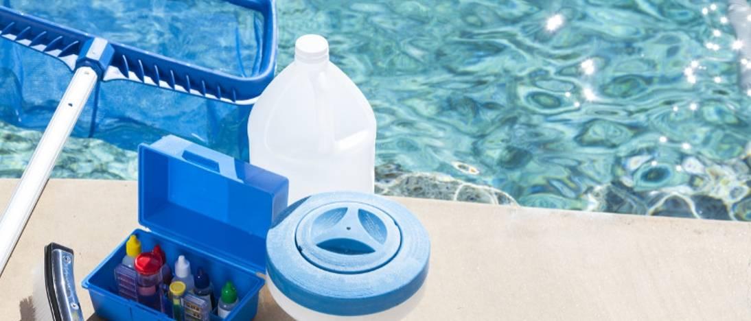 Лучшее средство для бассейна: какое лучше выбрать и использовать для очистки, осветления воды в домашнем и дачном резервуаре, рейтинг самых хороших препаратов с отзывами