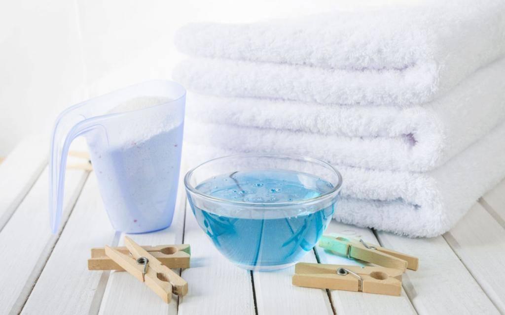 Как и чем эффективно отбелить белые вещи в домашних условиях / vantazer.ru – информационный портал о ремонте, отделке и обустройстве ванных комнат