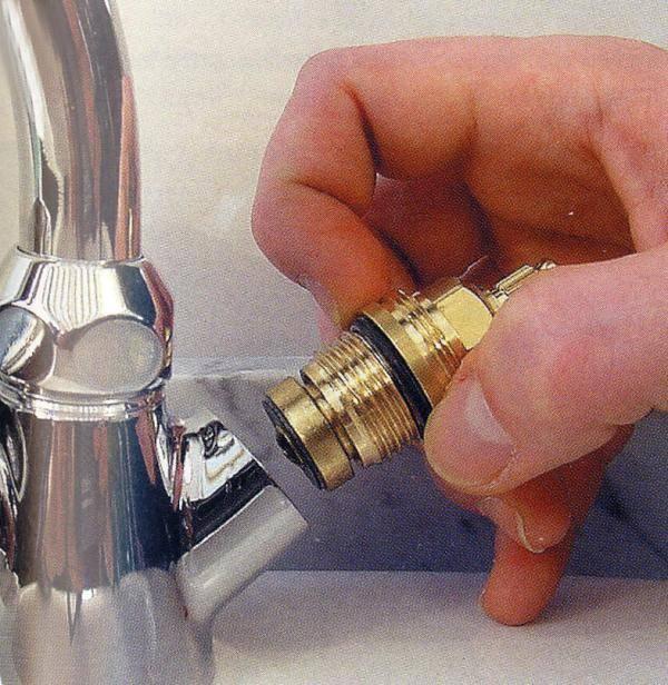 Как открутить вентиль если он прикипел