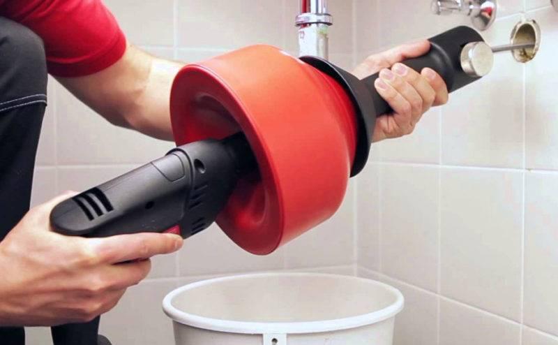 Как прочистить засор в раковине, если она засорилась? | водовед