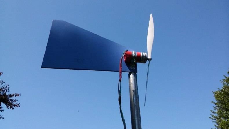 Как смастерить ветрогенератор своими руками: обзор технологии сборки 2-х различных конструкций