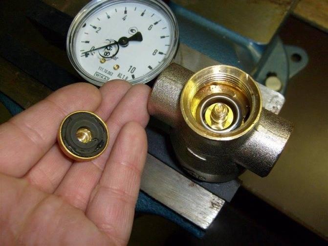 Обзор клапанов регулировки давления воды в квартире