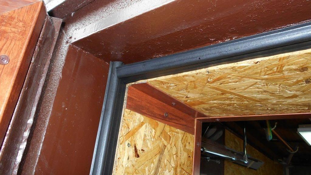 Какой утеплитель лучше для входной металлической и деревянной двери