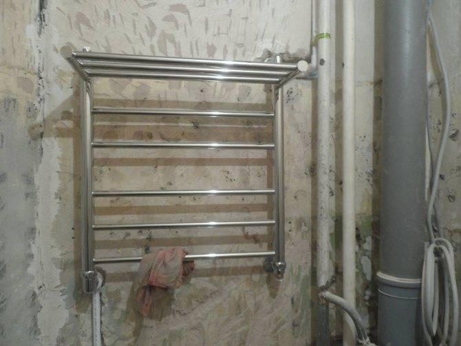 Перенос полотенцесушителя на другую стену в ванной своими руками