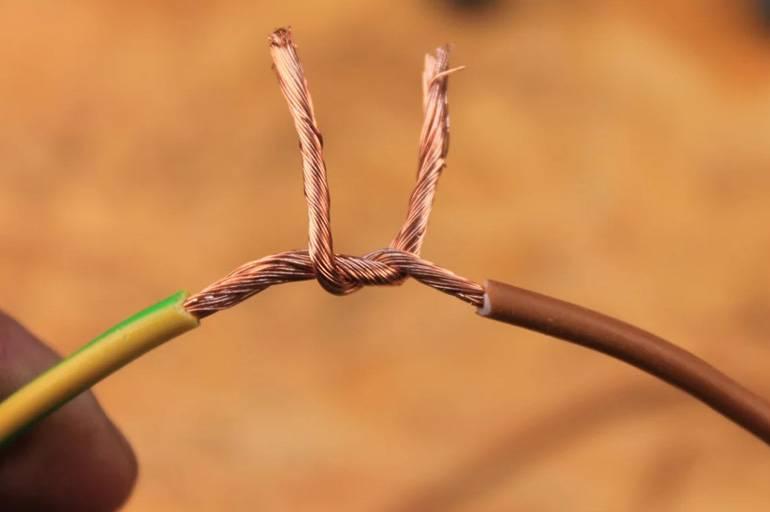 Соединение многожильных проводов: с одножильными, между собой, мягкий и жесткий