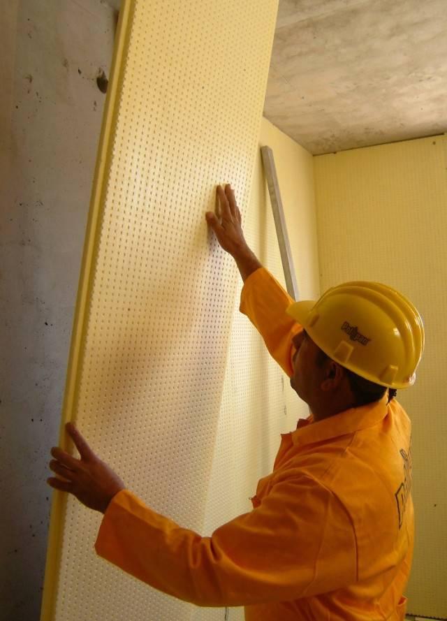 Как и чем утеплять стену квартиры изнутри?