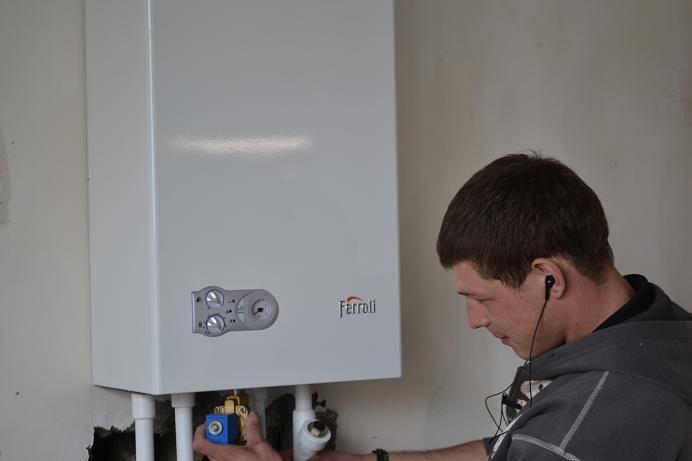 Как включить газовый котел: подробная инструкция по запуску настенных и напольных моделей старого и нового образца после длительного или кратковременного перерыва, отключения газа или света